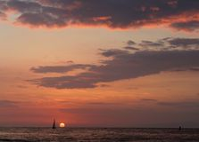 Mooie Zonsondergang bij Redondo-Strand, de Provincie van Los Angeles, Californië Royalty-vrije Stock Afbeelding