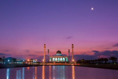 Mooie zonsondergang bij Songkhla-moskee, Hatyai, Thailand Stock Foto's