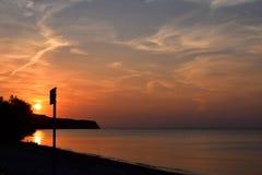 Mooie zonsondergang boven Egeïsche Overzees, Griekenland royalty-vrije stock afbeelding