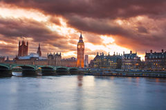 Mooie zonsondergang in de stad van Londen Royalty-vrije Stock Afbeelding