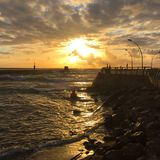 Mooie zonsondergang en de baai royalty-vrije stock foto's