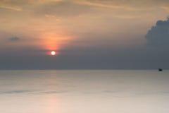 Mooie zonsondergang en zonsopgang Stock Foto's