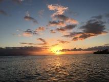 Mooie zonsondergang in Maui Stock Foto