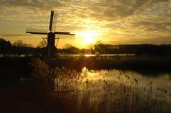 Mooie zonsondergang met fantastische kleuren Stock Foto