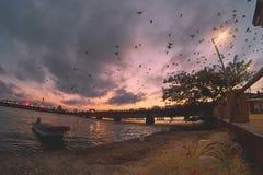Mooie zonsondergang op een brug Royalty-vrije Stock Afbeelding