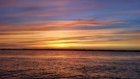 Mooie zonsondergang op een oceaancruise Van Alaska Stock Foto