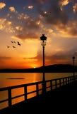 Mooie zonsondergang op het meer Stock Foto's