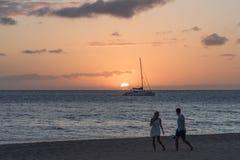 Mooie zonsondergang op Maui stock foto's