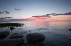 Mooie zonsondergang over de Oostzee Royalty-vrije Stock Afbeeldingen