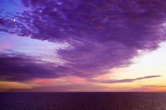 Mooie zonsondergang over Oostzee Stock Afbeeldingen