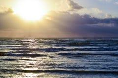 Mooie zonsondergangscène royalty-vrije stock afbeelding