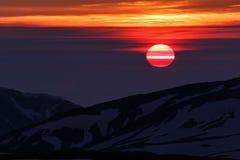 Mooie zonsopgang in bergen Stock Foto