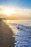 Mooie zonsopgang bij het strand Royalty-vrije Stock Foto