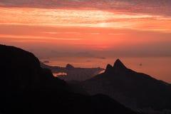 Mooie zonsopgang die van Pedra Bonita, Rio de Janeiro, Braz wordt bekeken Royalty-vrije Stock Foto's