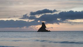 Mooie zonsopgang landsdcape van idyllisch Broadhaven-Baaistrand  Stock Foto