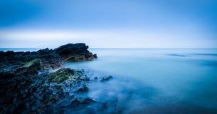 Mooie zonsopgang op de kust van Ierland Stock Foto's
