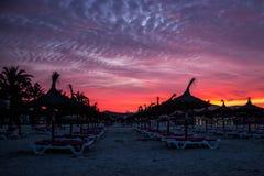 Mooie zonsopgang op het strand in Mallorca royalty-vrije stock foto's