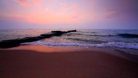 Mooie zonsopgang over het overzees stock video