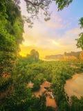 Mooie zonsopgang over het tropische strand, Thailand Stock Foto