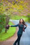 Mooie zuiden Aziatische meisje en bloemen Stock Fotografie
