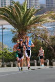 MOOLOOLABA AUSTRALIEN - SEPTEMBER 14: Fördelar Dan Wilson (gräsplan), Brad Kahlefeldt (blått), Courtney Atkinson (svart) i royaltyfri bild