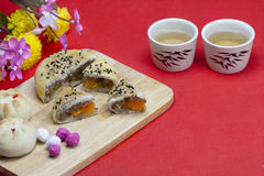 Moon cake with tea Stock Photography