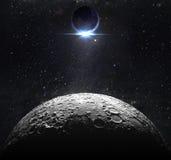 Moon la superficie con l'alba di vista della terra Immagini Stock Libere da Diritti