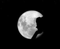 Moon och flicka Royaltyfri Foto