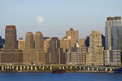 Moon Rise Over Manhattan Royalty Free Stock Images