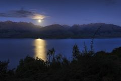 Moon rising Royalty Free Stock Images