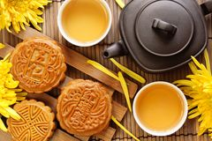 mooncake τσάι Στοκ εικόνες με δικαίωμα ελεύθερης χρήσης