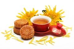 Mooncake и чай Стоковые Изображения RF