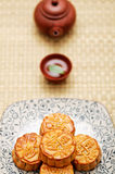 Mooncake en Chinese thee Royalty-vrije Stock Fotografie