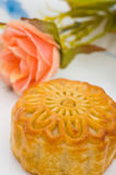 Mooncake and flower - Mid-autumn Festival Royalty Free Stock Photography