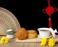 Mooncake och tea Royaltyfri Fotografi