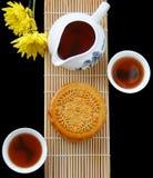 Mooncake och tea Arkivbild