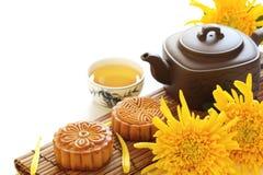 Mooncake y té Imagen de archivo libre de regalías