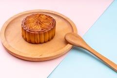 Mooncakes con un rosa e fotografia stock libera da diritti