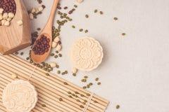 Mooncakes de la piel Nevado Comida tradicional del mediados de festival chino del otoño foto de archivo libre de regalías