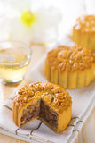 Mooncakes with tea Stock Photography