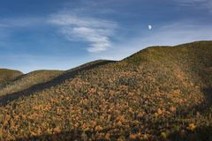 Moonrise über den Adirondack-Bergen Lizenzfreie Stockbilder