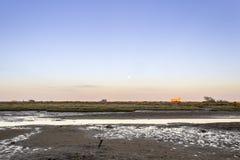 Moonrise bij Ria Formosa-het natuurreservaatlandschap van het moerasland, mening Fr Royalty-vrije Stock Foto