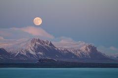 moonrise góry Zdjęcia Royalty Free