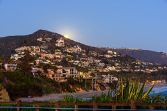 Moonrise over Laguna Beach Royalty-vrije Stock Foto's
