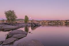 Moonrise på Watson Lake Fotografering för Bildbyråer