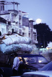 Moonrise- Phnom van de binnenstad Penh, Kambodja Royalty-vrije Stock Foto's