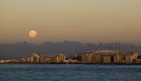 Moonrise przy przylądka miasteczkiem, stadium Zdjęcie Royalty Free