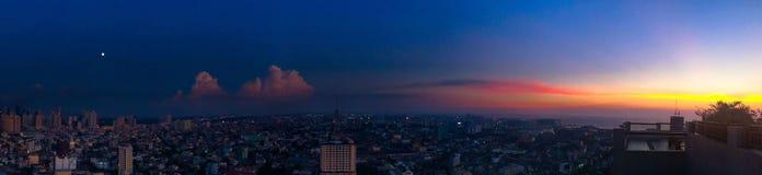 Moonrise und Sonnenuntergang stockbilder