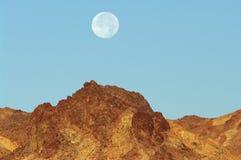 Moonset nel parco nazionale di Death Valley Fotografia Stock