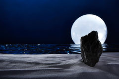 Moonset op de oceaan Royalty-vrije Stock Fotografie